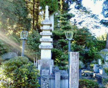 小野小町供養塔