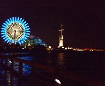 神戸・夜の海辺にて