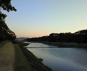 夕暮れの賀茂川