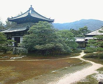 鹿王院(3) 庭園と舎利殿