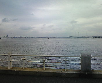 横浜の海(1 ) 山下公園で