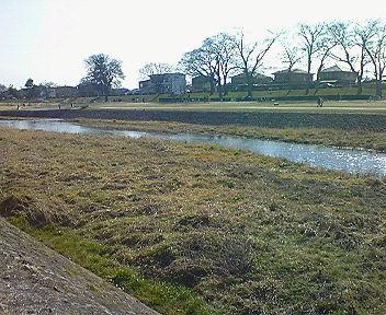 賀茂川河原で発声練習