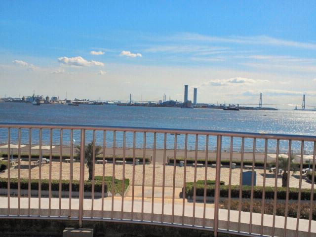 名古屋ガーデンふ頭臨海緑園・展望広場から眺めた海