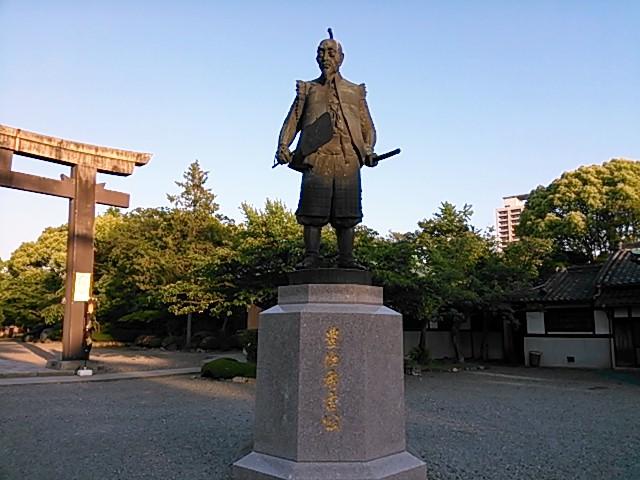 黄昏の豊太閤像
