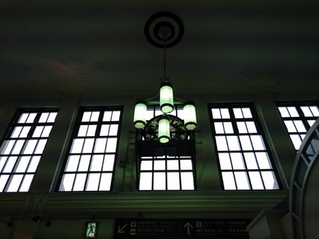 JR神戸駅内観