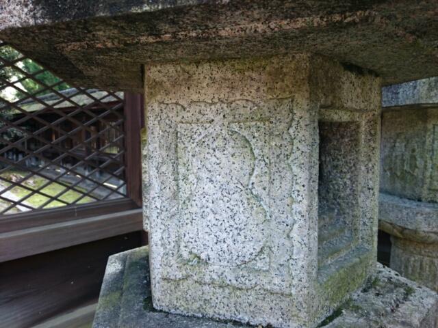 豊国神社 灯籠の瓢箪