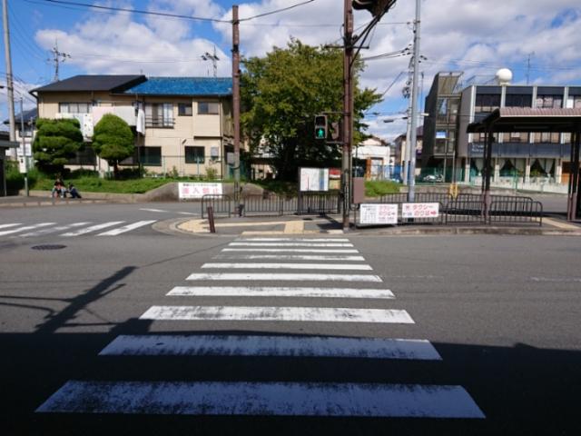 京阪六地蔵駅前の構図