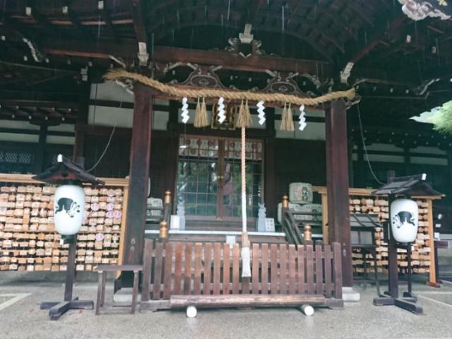 雨の岡崎神社