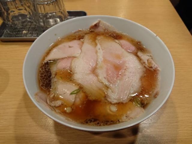 西梅田らんぷ 醤油らーめんポーク
