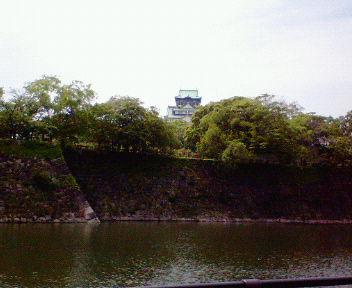 京橋方面から見た大阪城