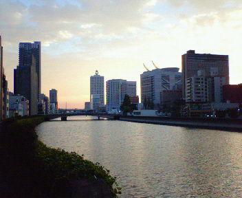 筑前橋から見た大阪の夕景