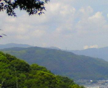 石清水八幡宮展望台から天王山を望む