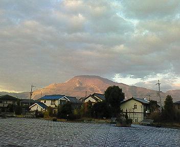 ルッチプラザから見た伊吹山