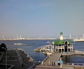 横浜の海(7) パシフィコ横浜前