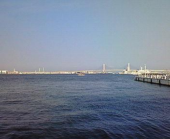 横浜の海(6)  2年前と同じ構図で