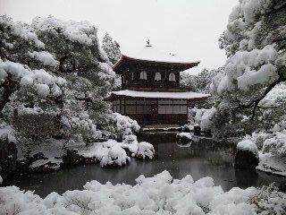 雪の銀閣寺1