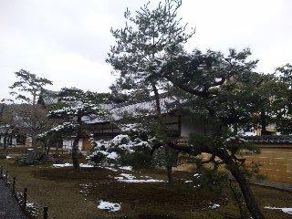 雪の鹿苑寺(<br />  金閣寺)その3