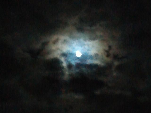 雲間の満月3