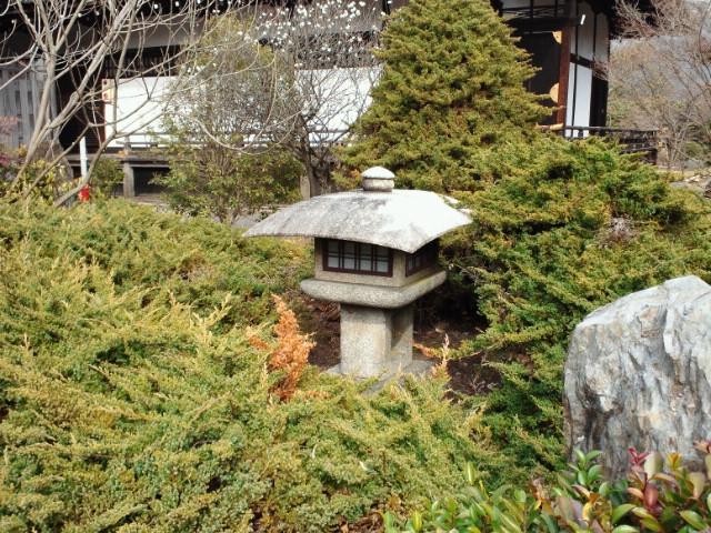 勧修寺灯籠