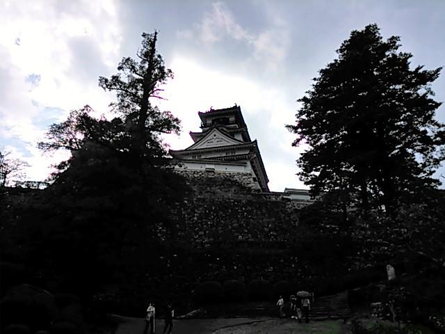 高知城 三の丸入り口から見上げた天守