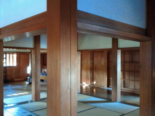 広島城表御門内部