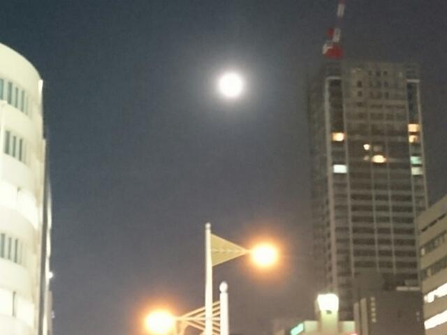 心斎橋の月