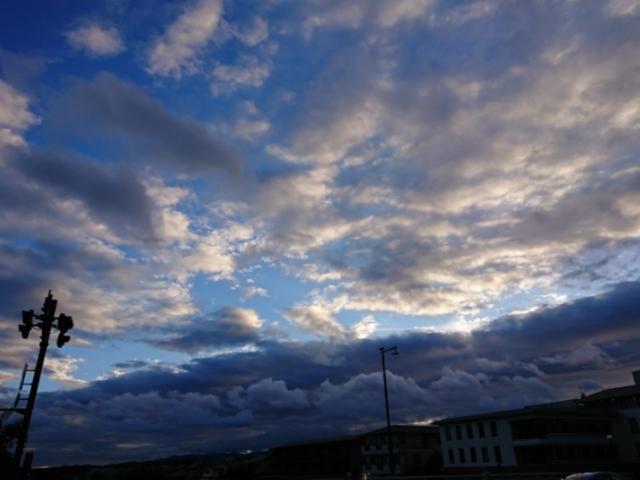 絵のような雲