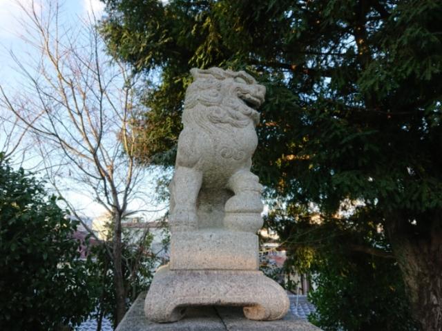 獅子の足下の蹴鞠